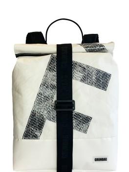 UniqueBackpackSailsStrap11-20