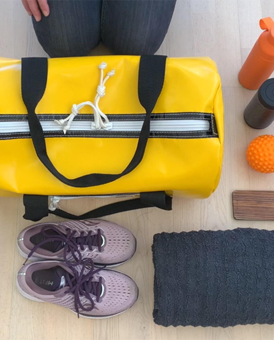 0__=__youtube___What's in my yellow sports bag___https://www.youtube.com/embed/l860zW4XiyI___l860zW4XiyI